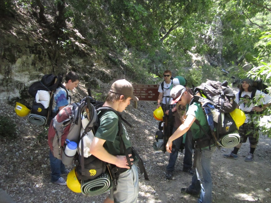 Students do some adjustments before the hike